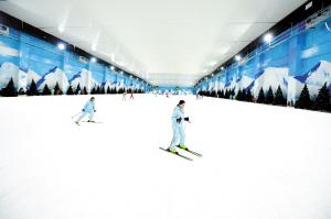 石林冰雪乐园试营业,优惠体验至除夕,大年初一恢复正价。  记者王俊星摄